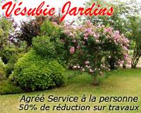 """Vésubie jardins s'adresse aux particuliers qui désirent faire entretenir leur jardin par des professionnels. L'entreprise est agréée """"Service à la personne""""."""